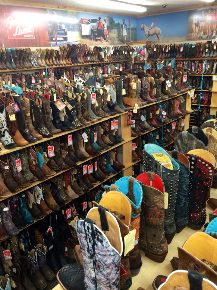 Clothing stores in st joseph mo